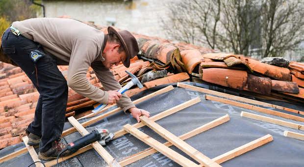 Extrem Dachsanierung: Die Varianten und Kosten auf einen Blick MW07